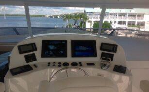 Omnisea 112 Westport - Camera on bridge - Depth Displays - Horn buttons on wing stations 4